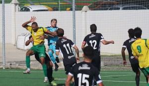 Isi Jareño, en el salto con Ekedo que le provocó la fractura de pómulo / Foto: A. Sánchez