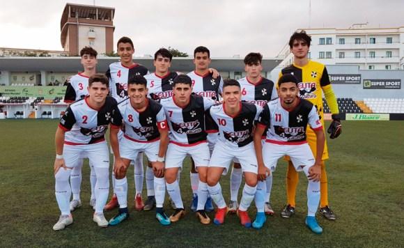 Formación del Sporting de Ceuta en el Alfonso Murube