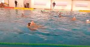 Una imagen del partido disputado este domingo por la mañana en la piscina del CN Caballa