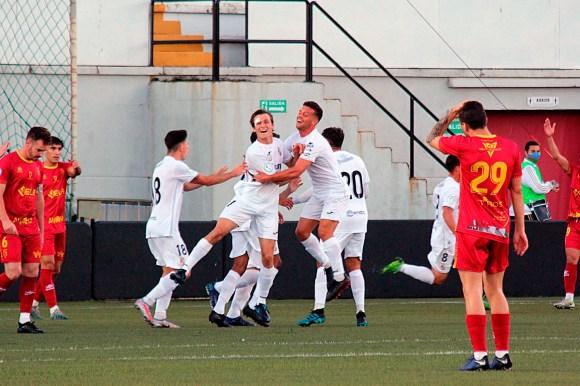 En la primera vuelta el Ceuta fulminó al Antoniano con tres goles de Pablo García