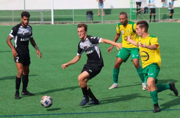 En la primera vuelta, el Ceuta venció a la UD Los Barrios por 1-2 en el campo de Los Cortijillos