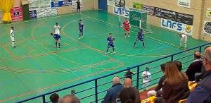 Un momento del partido disputado este domingo entre Manzanares y UA Ceutí