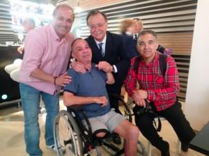 Jorbys, acompañado por el presidente de la Ciudad, Juan Vivas, y sus compañeros Rafa Peña y Nicol's