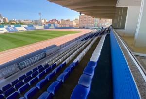 Imagen parcial de las gradas del estadio 'Álvarez Claro' de Melilla