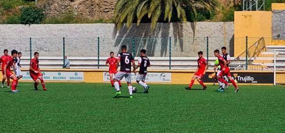 Un momento del partido disputado este sábado en el Benoliel entre el Sporting y Los Rosales