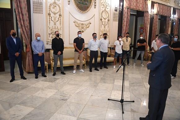 El presidente Vivas, durante su intervención ante los integrantes de la AD Ceuta FC