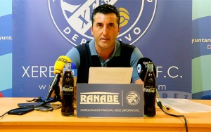Edu Villegas se ha despedido del Xerez DFC en rueda de prensa