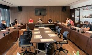 Un momento de la reunión en la Sala de Juntas de la 'Ciudad del Fútbol' de Ceuta / Foto: FFCE