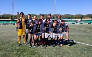 Formación inicial del Sporting Atlético, este sábado en la Ciudad Deportiva 'Luis del Sol'