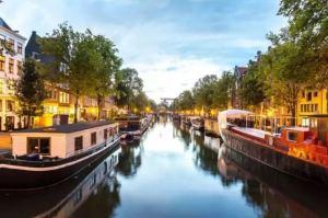 离开荷兰后才发现:鬼地方,我是那么的想念你 canals 300x199
