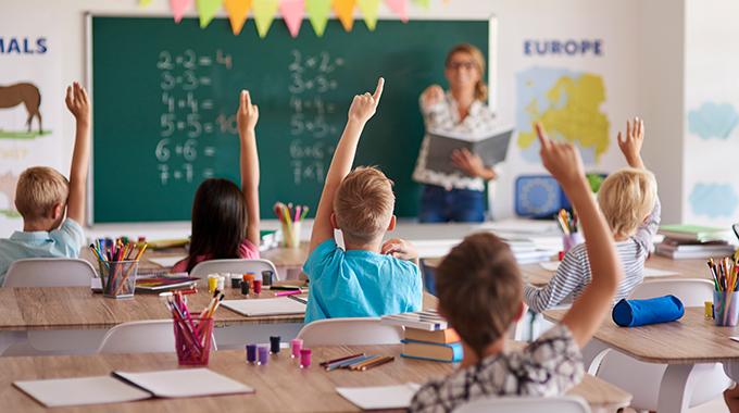 """""""Pericolo di implosione del sistema scolastico italiano all'estero"""""""