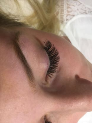 Wimpern-7-CH-cosmetics-XTREME-Lashes-Volumation