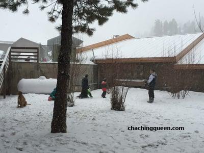 angel-fire-resort-lodge-couryard-snow-pic