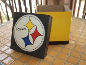 Pittsburgh Steelers decorated gift boxes homemade gift ideas