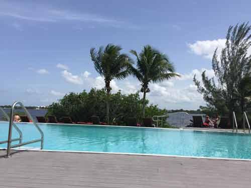 club-med-US-Florida-Adult-Pool-Calm-Pool-Infinity