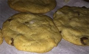 cream-filled-cookies-flattend-with-cream-added-inside