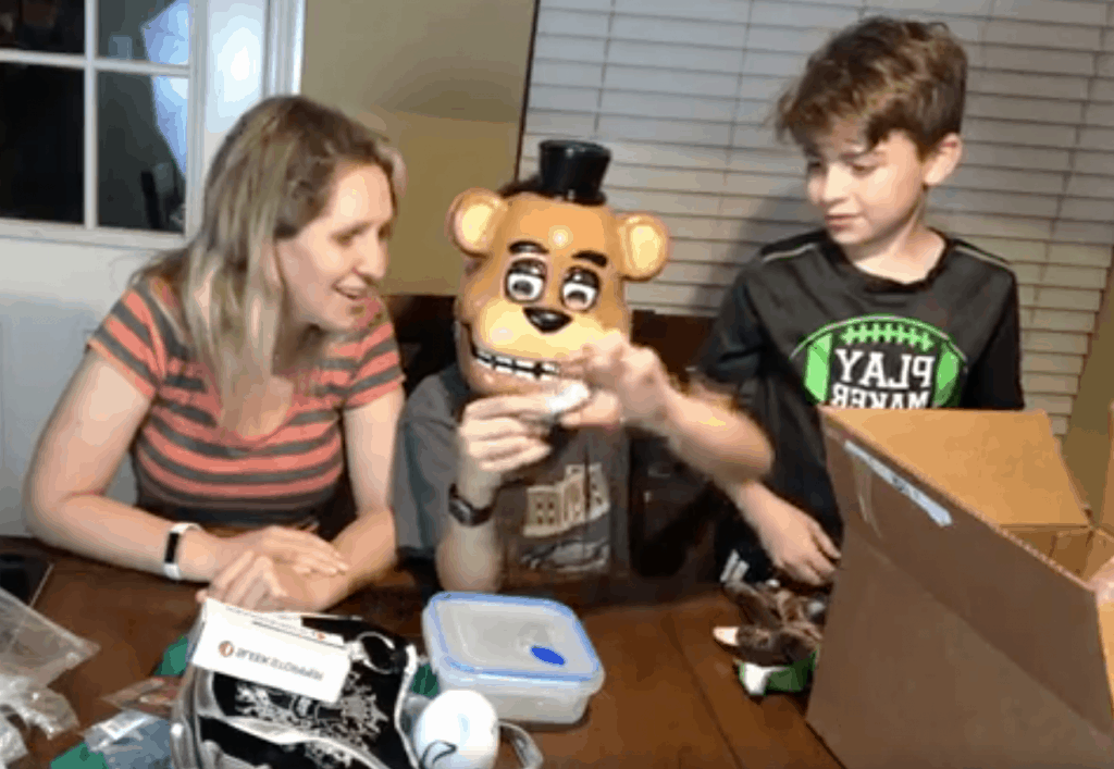 unboxing woot bag of crap - free shipping on woot for amazon prime members