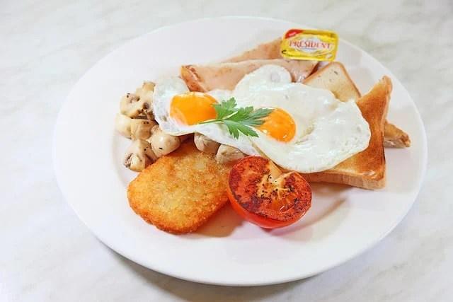 breakfast plate eggs