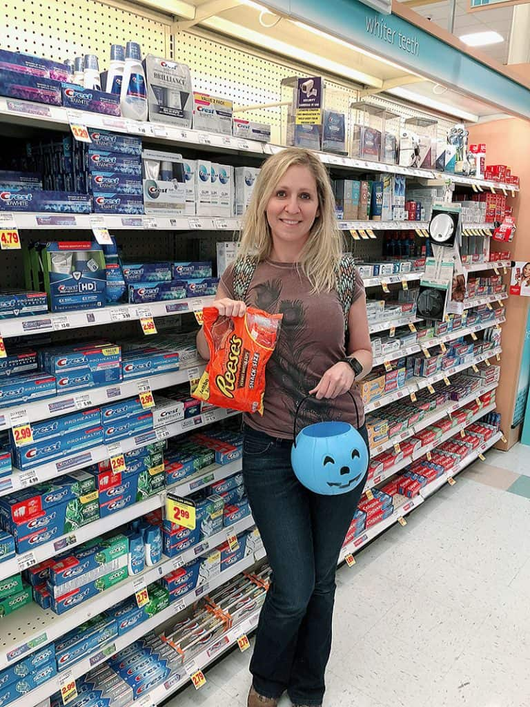 Austin Blogger Influencer at Kroger for Halloween Cha Ching Queen - Crest has you covered campaign