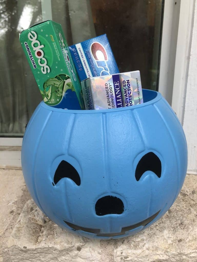 crest and kroger for Halloween blue pumpkin - Austin blogger influencer