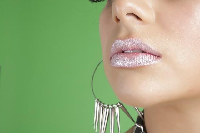 glitter makeup lipstick on lips