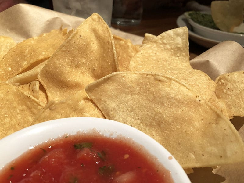 Cheddar's Scratch Kitchen Menu Review - Chips and Salsa