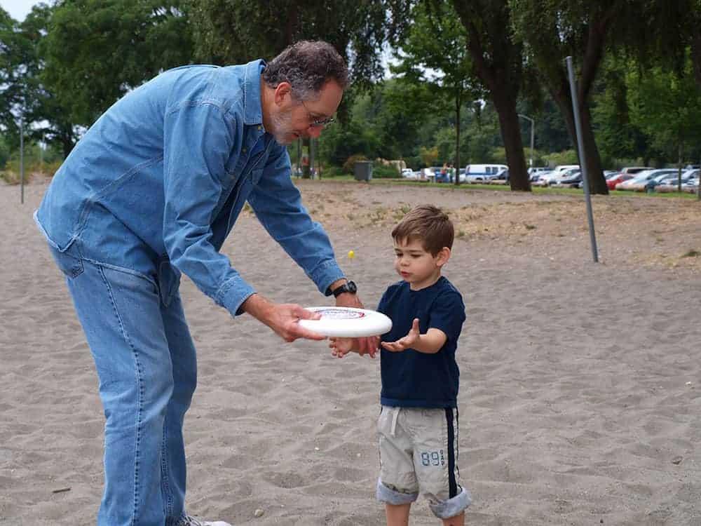 evan papa frisbee