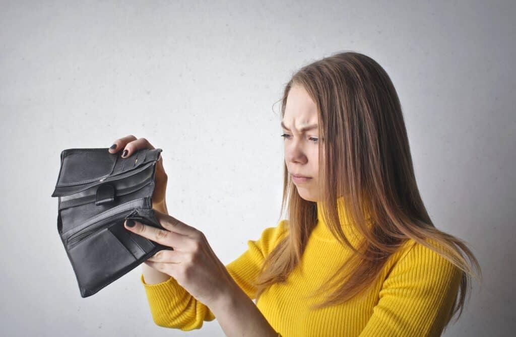 woman empty wallet no money