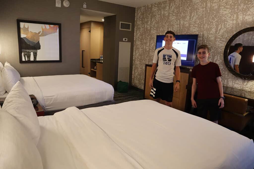 Gaylord Rockies Resort - double queen room