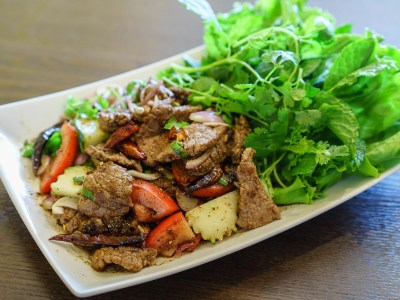 Spicy Beef Salad (Yum Neua)