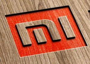 Logo Xiaomi en madera
