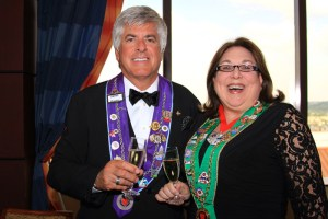 Chevalier John Mocker and Bailli Provinciale Midwest Renee Wilmeth