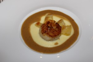 Seared scallop in brown butter sauce