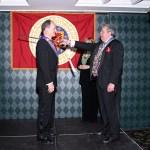 Chevalier Chris Steuri, Midwest Bailli Provincial Jill Kummer, National Conseiller des Bailliages Peter J. Hanowich