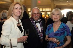 Judith Kenniston, Chevalier Tom Burdin, Dorothy Burdin