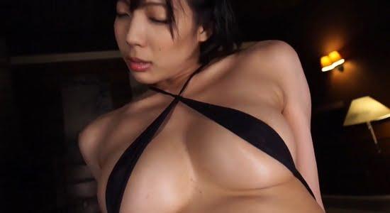 麻倉まりな 乳首ポチしながらこすりつけオナニーしてます