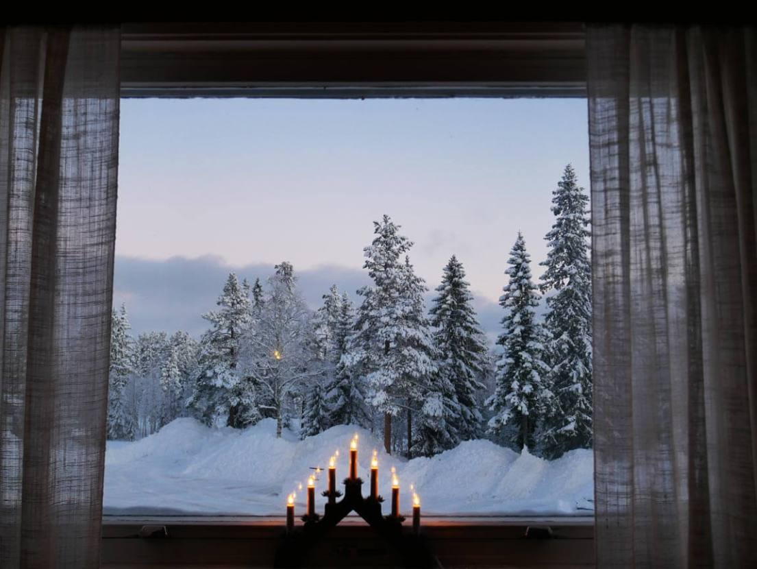 Can't get enough of this breakfast view in snowy Sälen, Sweden! Savour every beautiful moment through 2018. Having serious illness strike our son over the holiday really made us slow down and appreciate moment by moment. Photo by Anna Sjostrom Walton for chalkandmoss.com.