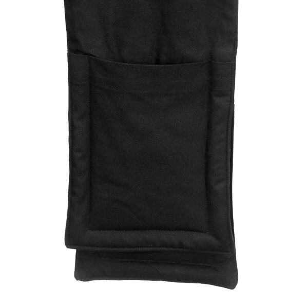 The double oven glove by The Organic Company features large pockets for your hands. Made from% organic cotton, these are available in black, light grey and dark grey on chalkandmoss.com.