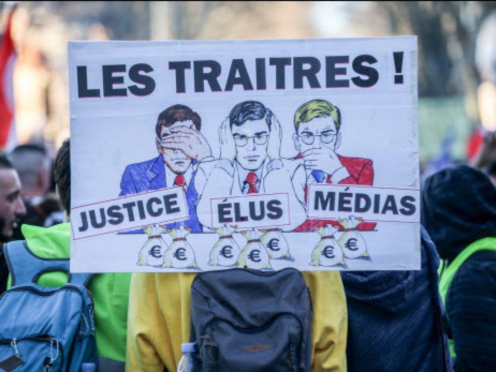 Pourquoi les Français détestent-ils autant leurs élites? - Challenges