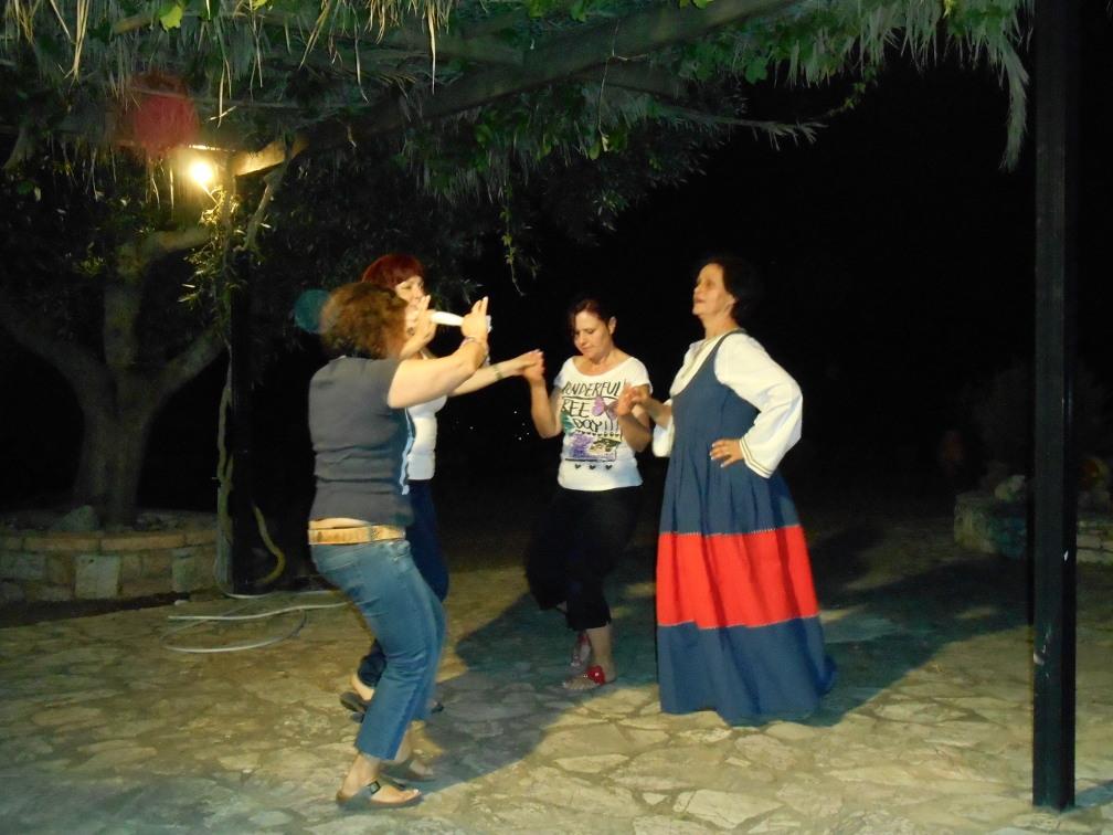 dance-chamaloni-garden
