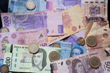 mexican-pesos-916208_640