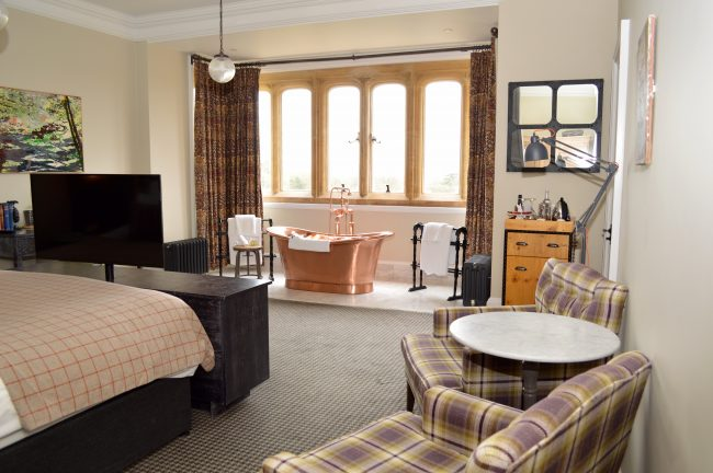 romantic-get-away-at-eynsham-hall