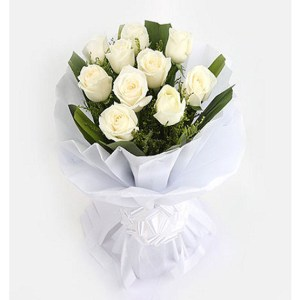 CF 12 White Roses Bouquet
