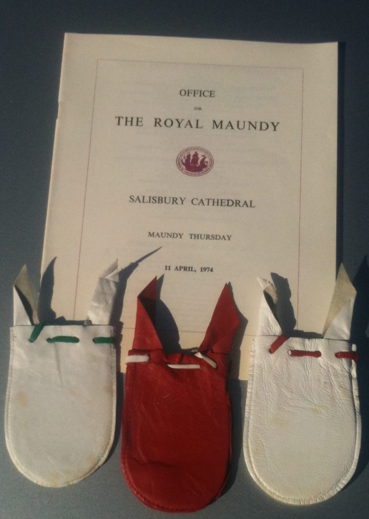 Maundy_pouches