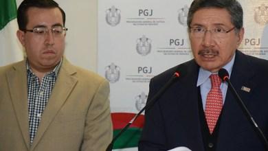 Amadeo Flores Espinosa renuncia como procurador de Veracruz