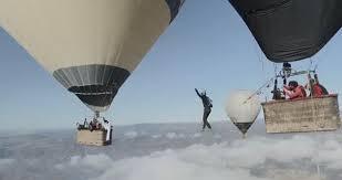 Sébastien Montaz Rosset increíble hazaña La Cuerda Floja con globos aerostáticos