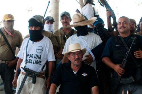 autodefensas de La Ruana con Hipólito Mora