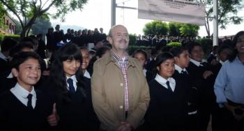 Fausto Vallejo escuela niños