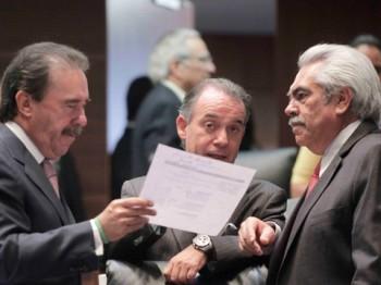 Chon Orihuela dialogando con su gran amigo Emilio Gamboa