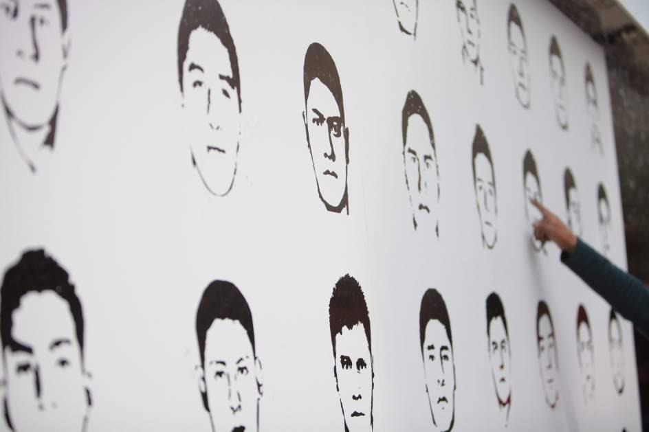 Normalistas desaparecidos de Ayotzinapa. Foto vía 20 minutos